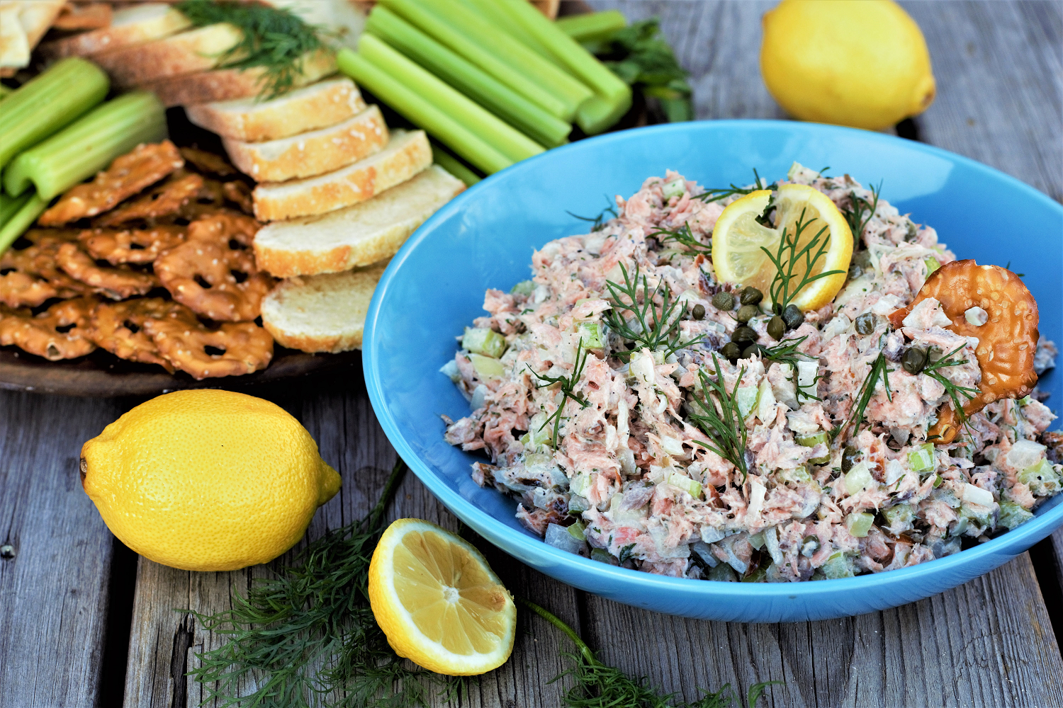 Smoked salmon dip with sweet onion, capers, and fresh dill might just be the easiest, healthiest no-cook holiday appetizer ever!
