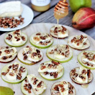 Immune-boosting-superstar propolis honey, creamy brie, & crunchy pecans balance each other perfectly in this refreshingly light winter snack.