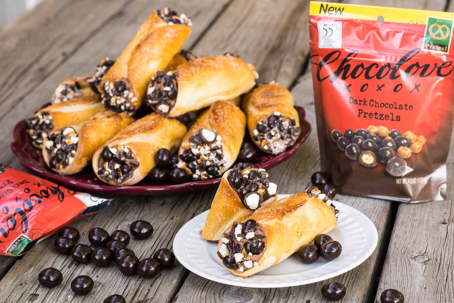 The only thing better than salty-sweet pretzel bites coated in a thick layer of rich dark chocolate is transforming them into pretzel cannoli!